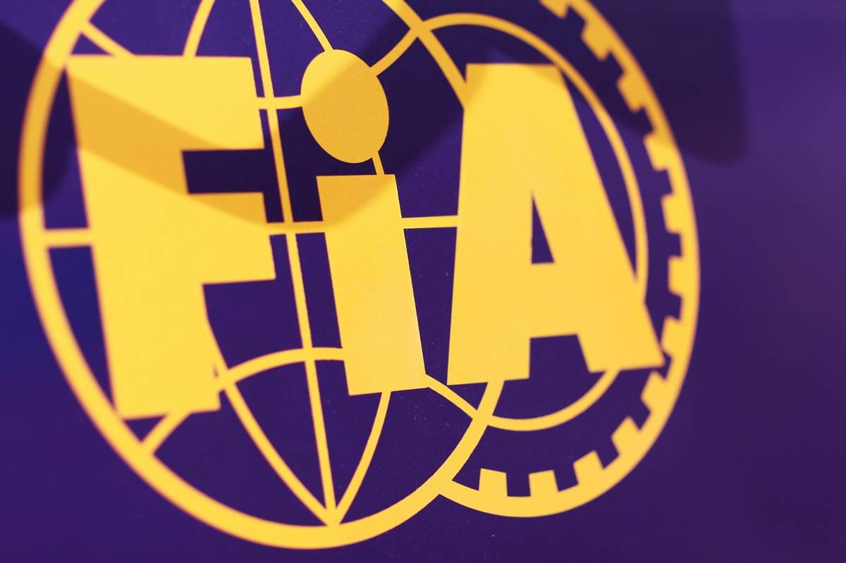 FIA-log%C3%B32-xpb.jpg
