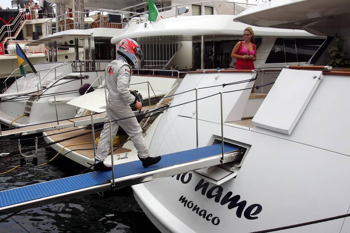 EPIC! Raikkonen going straight to his yacht- 2006 Monaco
