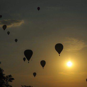 Hőlégballonok a levegőben a 19. Hőlégballon Európa- b970c3088b