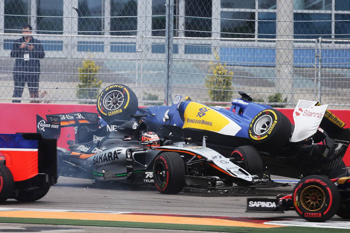 Nico Hülkenberg és Marcus Ericsson balesete Oroszországban (Fotó: XPB Images)