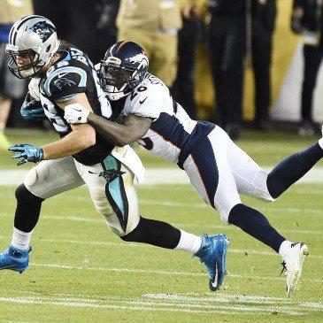 A Denver Broncos 24-10-re legyőzte a Carolina Panthers együttesét az észak-amerikai profi amerikaifutball-liga (NFL) idei nagydöntőjében, az 50. Super Bowlban. San Francisco, 2016. február 7.  EPA/LARRY W. SMITH
