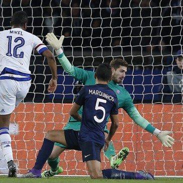 PSG-Chelsea - John Obi Mikel gólja - fotó: EPA/Yoan Valat