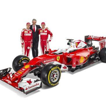 Sebastian Vettel, Maurizio Arrivabene, Kimi Räikkönen (Fotó: Ferrari)