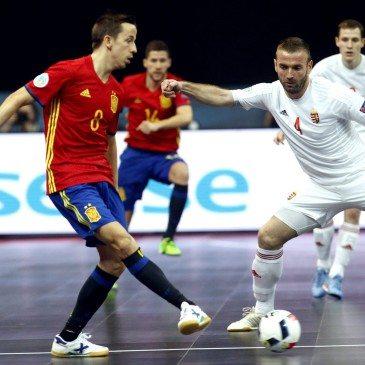 Magyarország-Spanyolország csoportmeccs a futsal Eb-n - Lin és Németh Péter - fotó: MTI/EPA/Koca Sulejmanovic