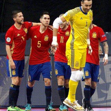 Magyarország-Spanyolország csoportmeccs a futsal Eb-n - fotó: MTI/EPA/Koca Sulejmanovic