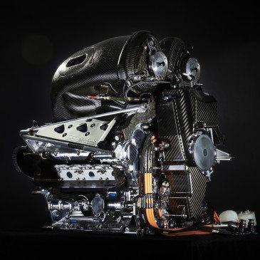 A Mercedes erőforrása, a PU106B Hybrid (Fotó: Daimler Media)