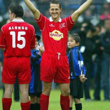 """ARCHIV, """"Spiel des Herzens"""" im Carl-Benz-Stadion Mannheim, das Team Schumacher spielt gegen die Winter Allstars..."""