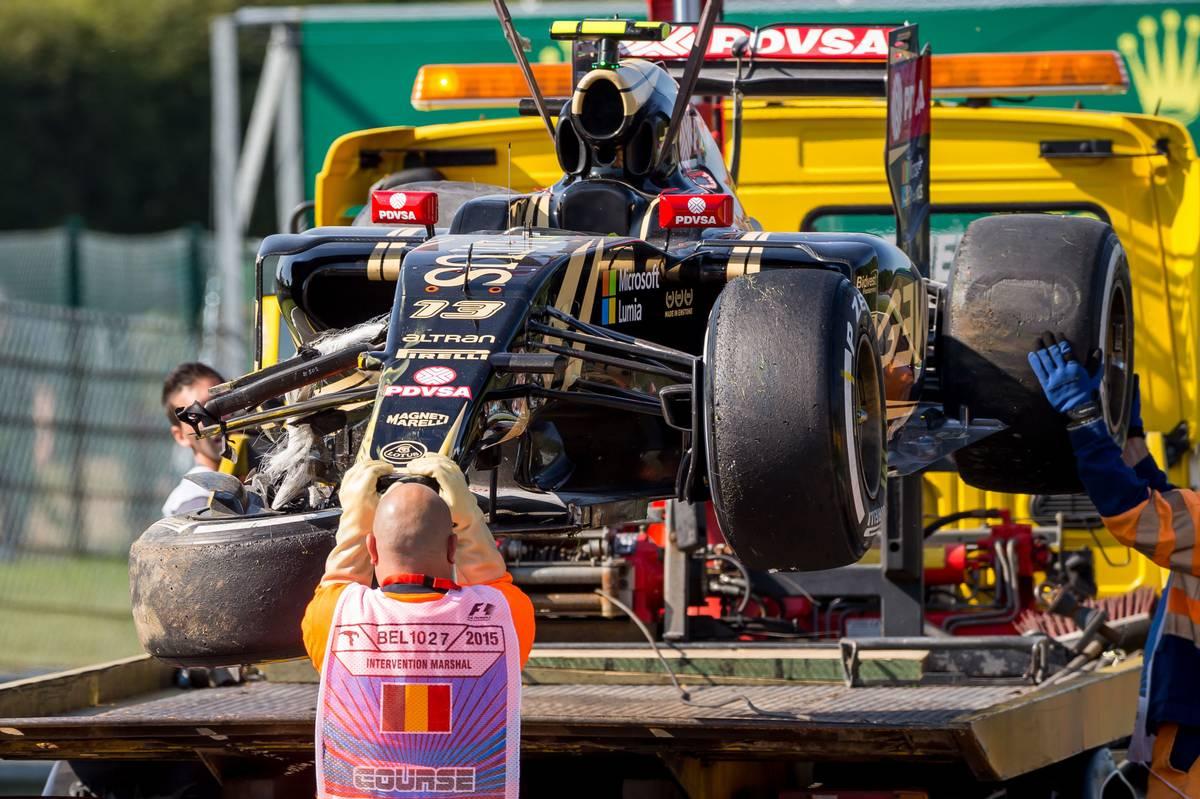A 2015-ös spái szabadedzésen is tört a Lotus (Fotó: xpbimages.com)