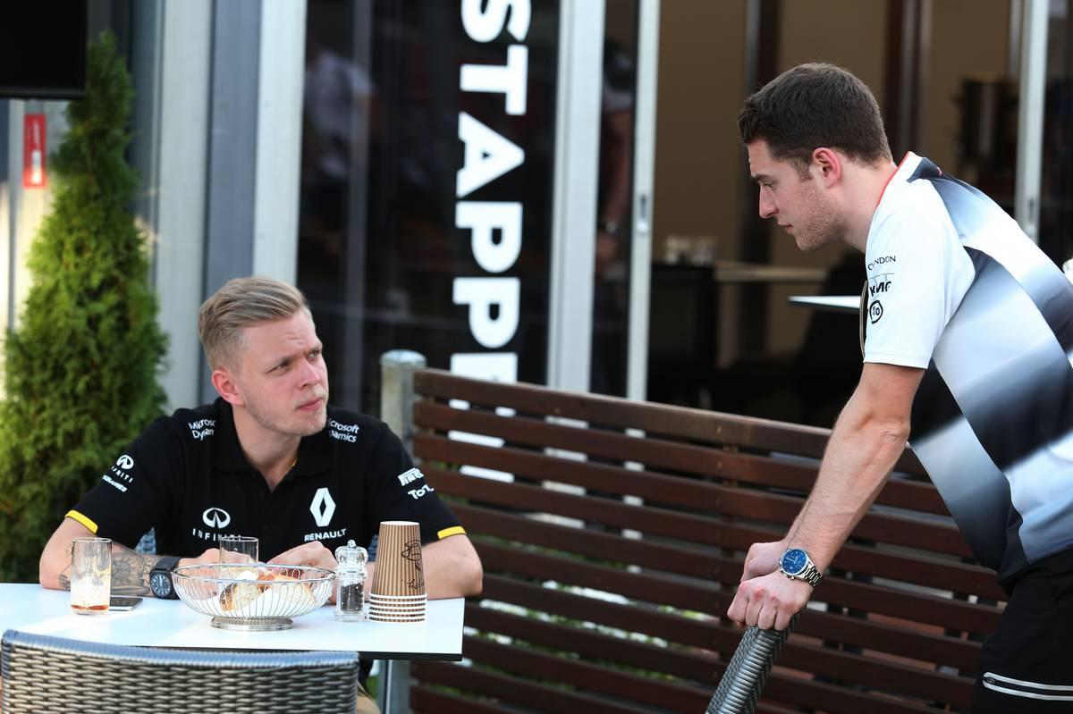 Ausztráliában még tartalékként beszélgetett egykori csapattársával, Kevin Magnussennel (Fotó: xpbimages.com)