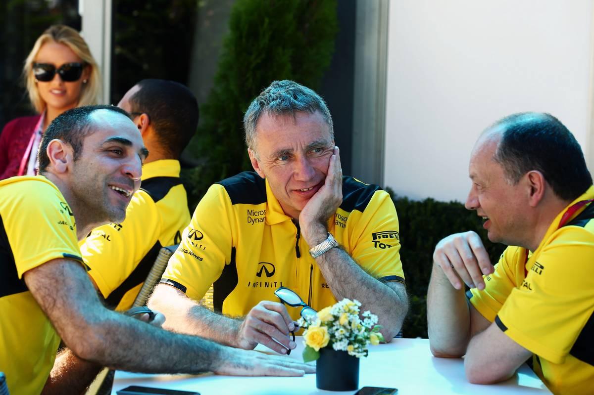 Cyril Abiteboul, Bob Bell, Frédric Vasseur (Fotó: xpbimages.com)