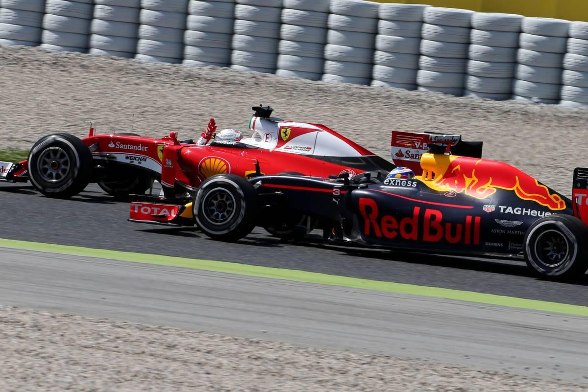 Sebastian Vettel és Daniel Ricciardo (Fotó: xpbimages.com)
