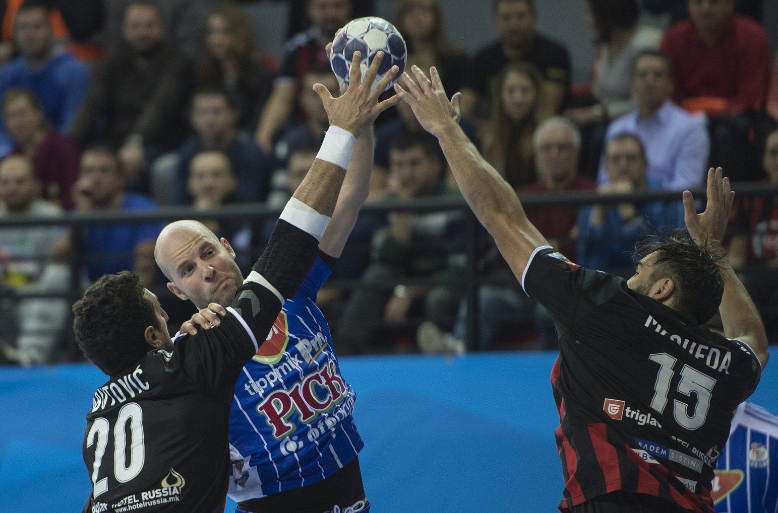 Vardar Szkopje - MOL-Pick Szeged - Balogh Zsolt, Nikola Abutovic és Jorge Maqeda - fotó: EPA/Georgi Licovski