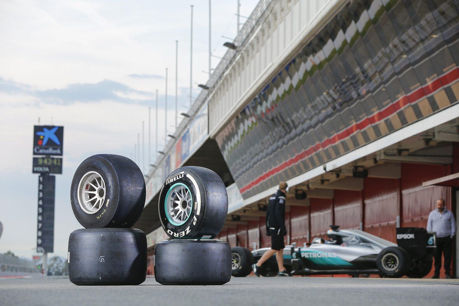 Nico Rosberg Barcelonában teszteli a 2017-es gumikat (Fotó: Pirelli)