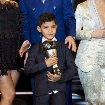 Cristiano Ronaldo jr. a 2017-es FIFA-gálán - fotó: EPA/Ennio Leanza