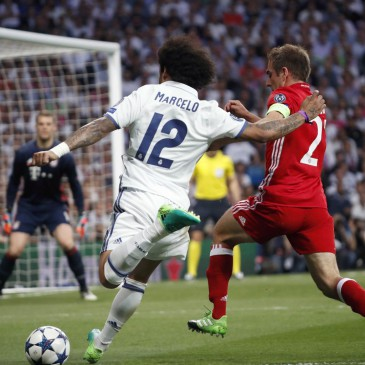 Real Madrid-Bayern München - Marcelo és Philipp Lahm (Fotó: EPA/ZIPI)