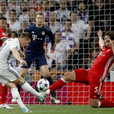 Real Madrid-Bayern München - Toni Kroos és Hummels (Fotó: EPA/Juanjo Martin)