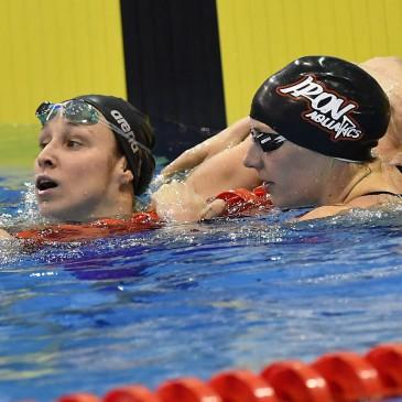 A győztes Hosszú Katinka (j) és a második helyezett Verrasztó Evelyn a 100 méteres gyorsúszás döntője után az úszók országos bajnokságán a Debreceni Sportuszodában 2017. április 21-én. MTI Fotó: Czeglédi Zsolt