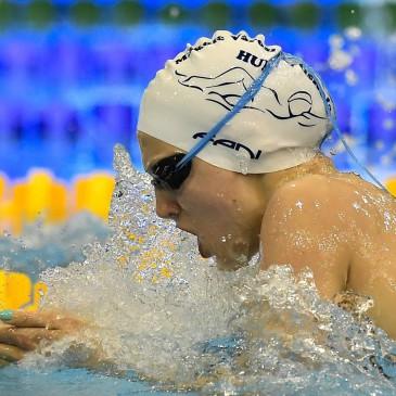 A későbbi győztes Vécsei Réka a 100 méteres mellúszás döntőjében az úszók országos bajnokságán a Debreceni Sportuszodában 2017. április 21-én. MTI Fotó: Czeglédi Zsolt