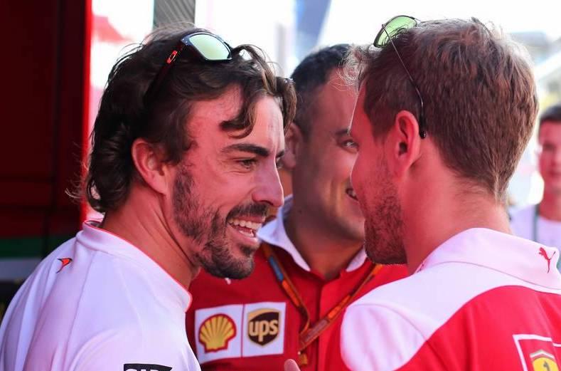 Fernando Alonso és Sebastian Vettel (Fotó: Charniaux / XPB Images)