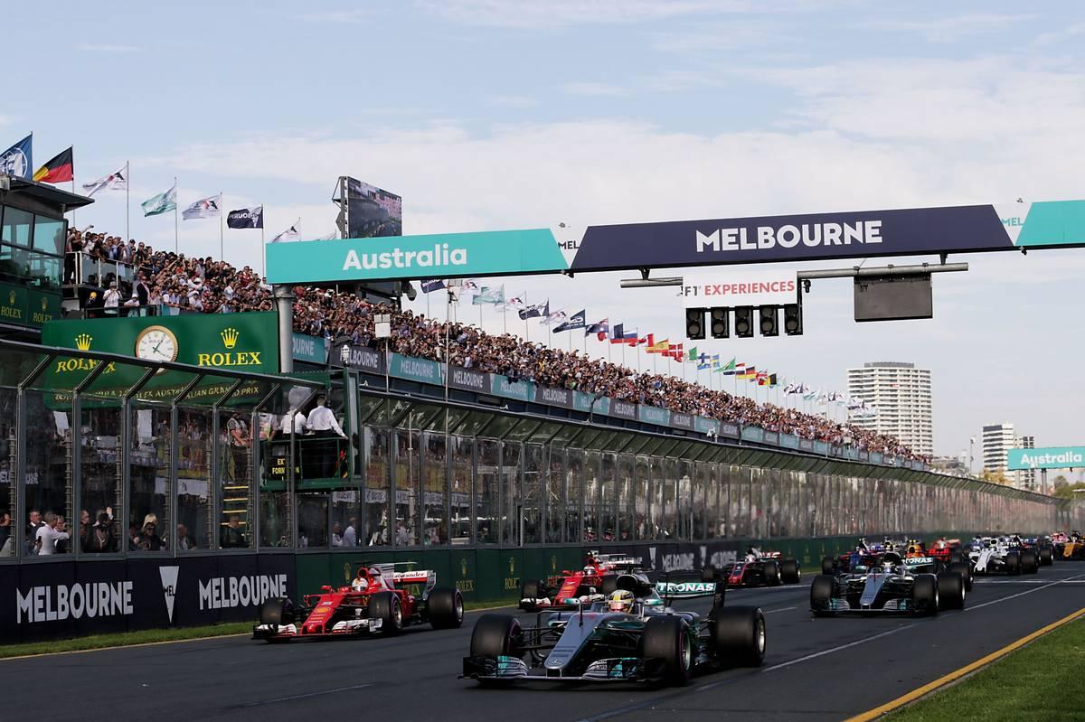 Az Ausztrál Nagydíj rajtja (Fotó: Moy / XPB Images)