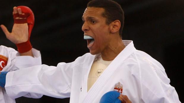 Baku, 2015. június 13. A magyar Tadissi Yves Martial (j) küzd a török Burak Uygur ellen a karateverseny selejtezőjében az I. Európa Játékokon az azerbajdzsáni Bakuban 2015. június 13-án. MTI Fotó: MOB / Szalmás Péter