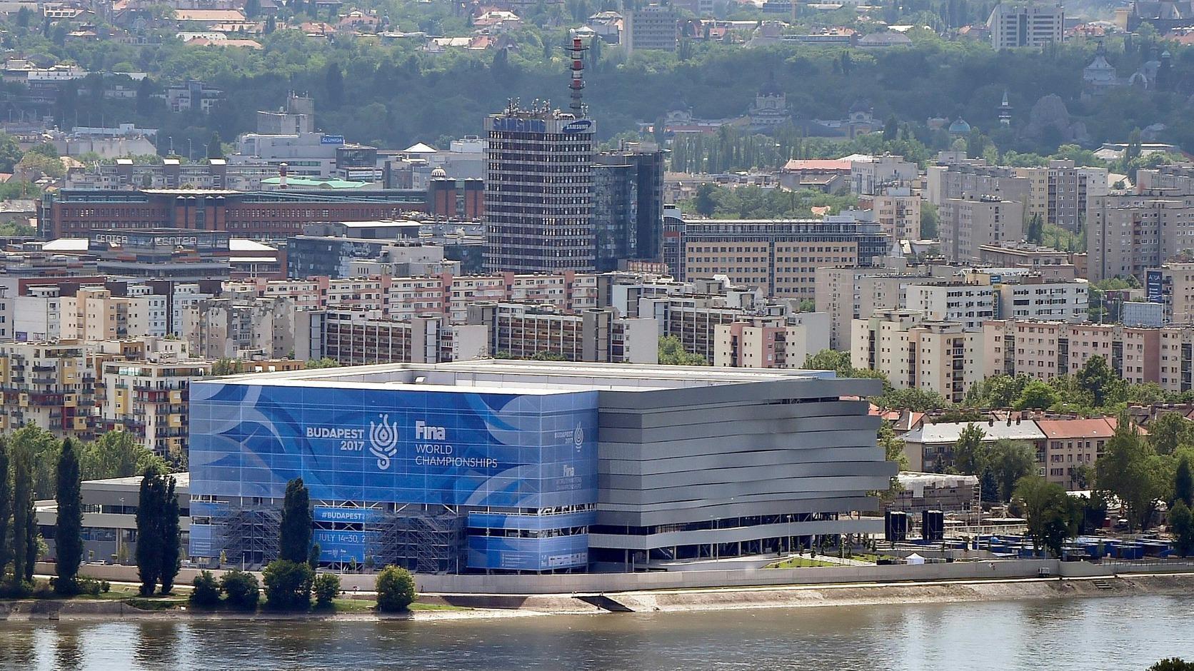 A franciák szerint a Duna Aréna ma a világ legjobb versenyuszodája ... 97fd6cb4e1