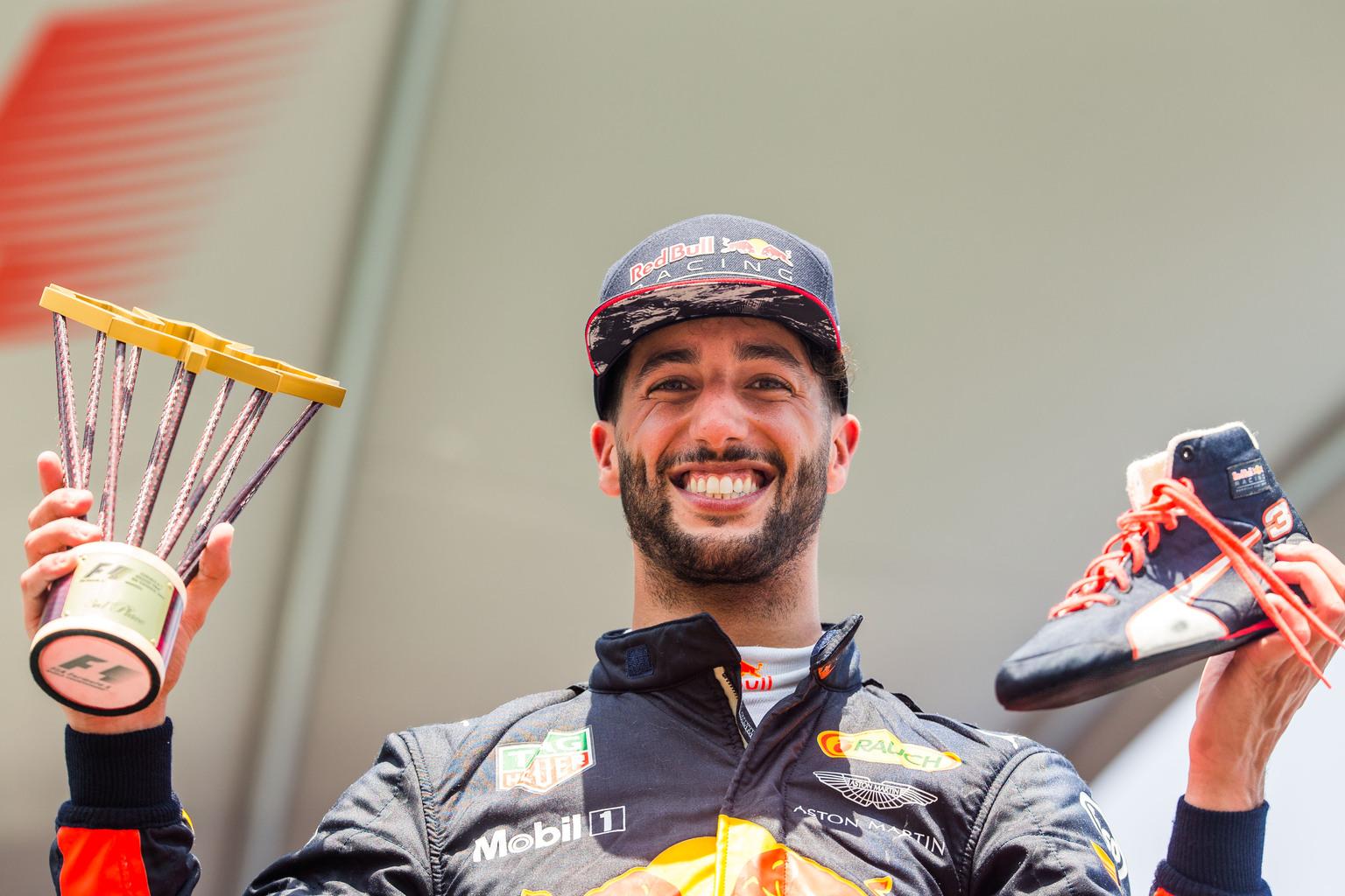 Trófea és cipő, Daniel Ricciardónál a kettő együtt jár... (Fotó: XPB)