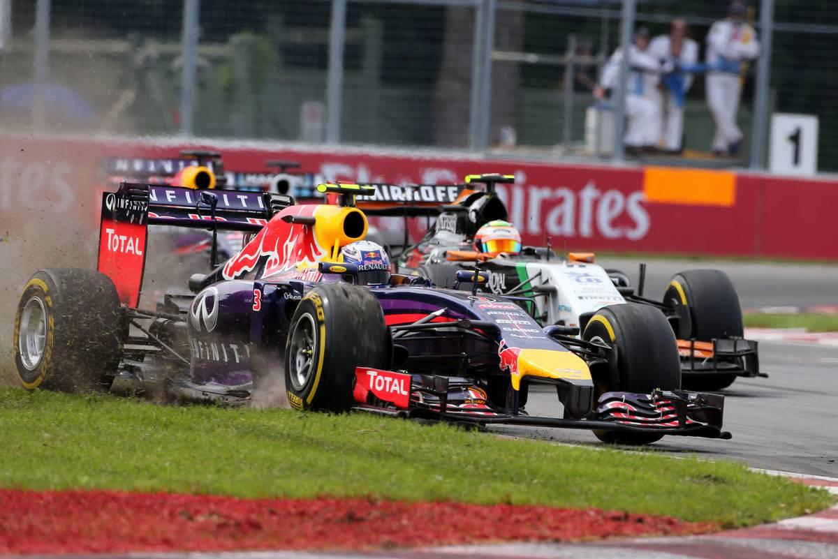 Daniel Ricciardo előzése Sergio Pérez ellen 2014-ben Kanadában (Fotó: XPB)
