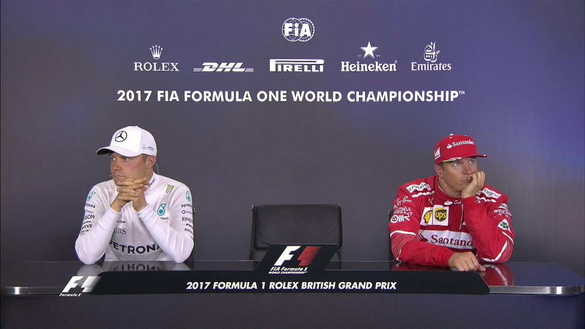 Valtteri Bottas és Kimi Räikkönen türelmesen várakozott (Fotó: Formula1/Twitter)