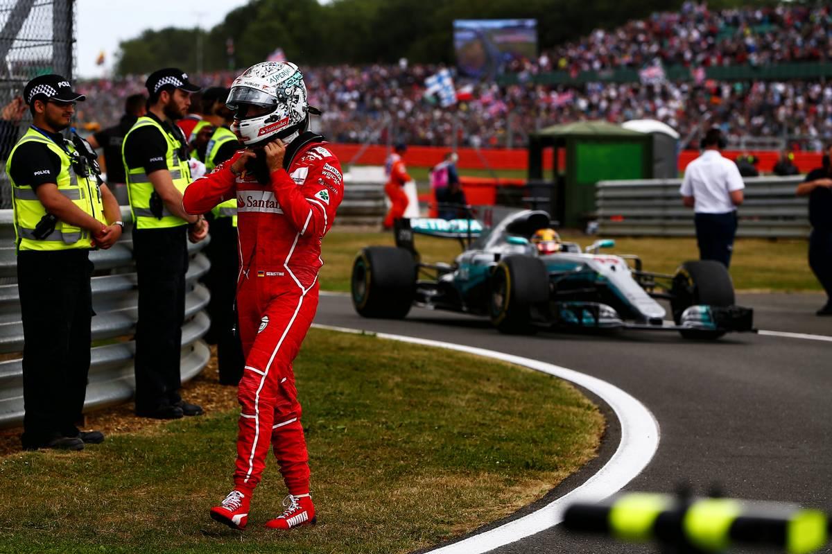 Fordulhat a kocka Sebastian Vettel és Lewis Hamilton küzdelmében? (Fotó: XPB)