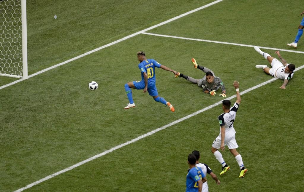 Kevés hiányzott a csodához Costa Ricának a brazilok ellen (Videó!)