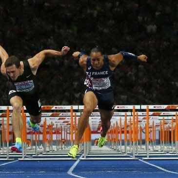 epa06941746 Pascal Martinot-Lagarde (center R) of France beats Sergey Shubenkov of Russia on the finish line to win the 110m Hurdles final at the Athletics 2018 European Championships, Berlin, Germany, 10 August 2018.  EPA/SRDJAN SUKI