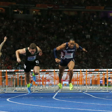 epa06941748 Pascal Martinot-Lagarde (center R) of France beats Sergey Shubenkov of Russia on the finish line to win the 110m Hurdles final at the Athletics 2018 European Championships, Berlin, Germany, 10 August 2018.  EPA/SRDJAN SUKI