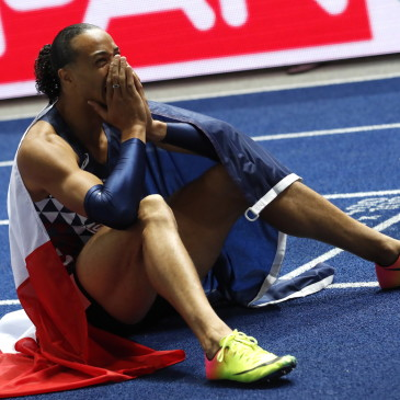 epa06941759 Pascal Martinot-Lagarde of France celebrates winning the 110m Hurdles final at the Athletics 2018 European Championships, Berlin, Germany, 10 August 2018.  EPA/FELIPE TRUEBA