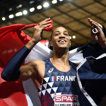 epa06941772 Pascal Martinot-Lagarde of France celebrates after winning the 110m Hurdles final at the Athletics 2018 European Championships, Berlin, Germany, 10 August 2018.  EPA/FILIP SINGER