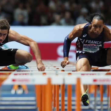 epa06941832 Pascal Martinot-Lagarde (R) of France and Sergey Shubenkov of Russia compete in the 110m Hurdles final at the Athletics 2018 European Championships, Berlin, Germany, 10 August 2018.  EPA/SRDJAN SUKI