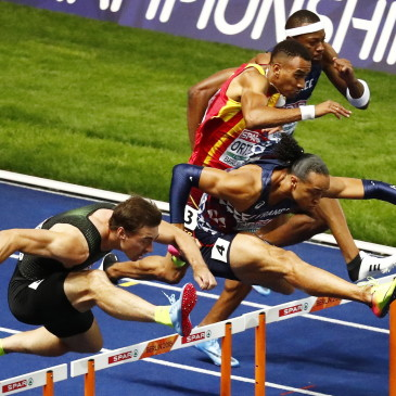 epa06941870 (froml left) Sergey Shubenkov of Russia, Pascal Martinot-Lagarde of France Ortega Orlando of Spain and Aurel Manga of France compete in the 110m Hurdles final at the Athletics 2018 European Championships, Berlin, Germany, 10 August 2018.  EPA/CHRISTIAN BRUNA