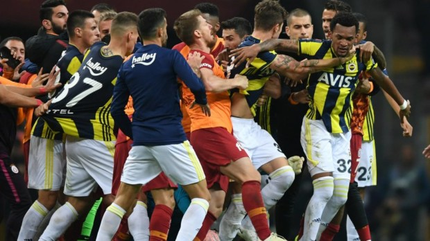 Galatasaray-Fenerbahce (Fotó: Getty Images)