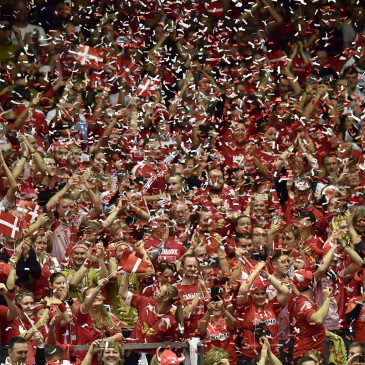 epa07325605 Danish fans during the men's IHF Handball World Championship final match between Denmark and Norway in Herning, Denmark, 26 January 2019.  EPA/BO AMSTRUP DENMARK OUT