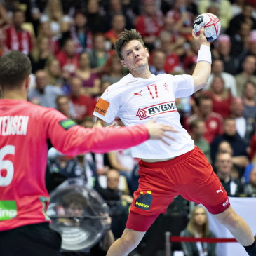 epa07325681 Lasse Svan of Denmark during the men's IHF Handball World Championship gold medal match between Denmark and Norway in Herning, Denmark, 26 January 2019.  EPA/HENNING BAGGER DENMARK OUT