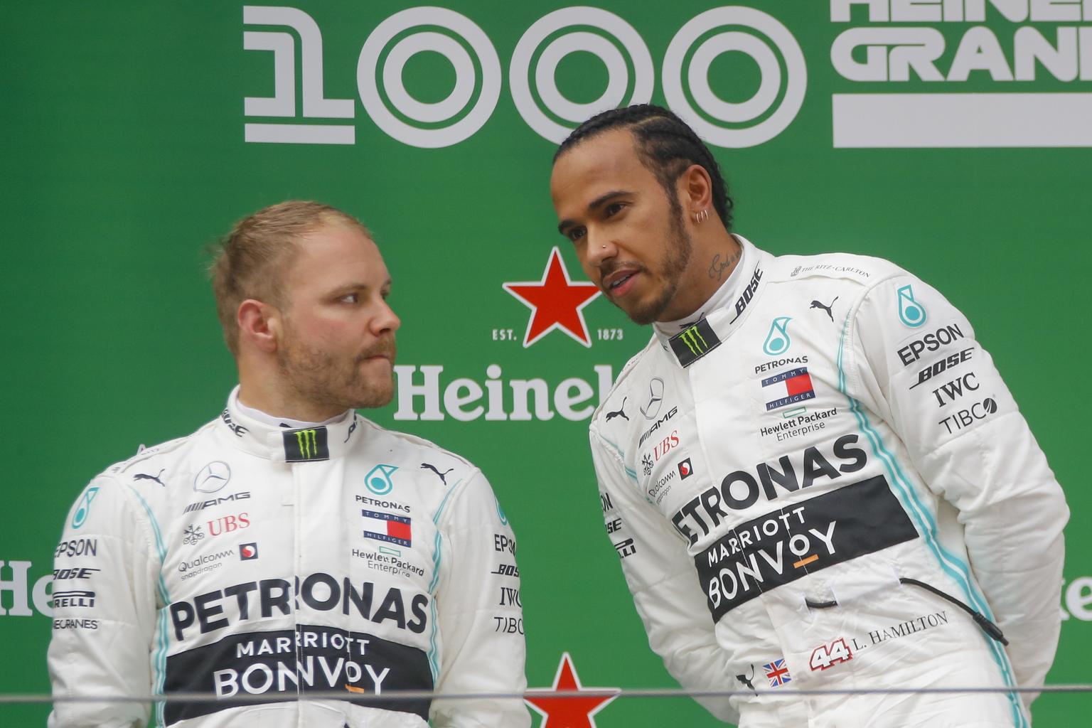 Valtteri Bottas és Lewis Hamilton (Fotó: MTI/EPA)