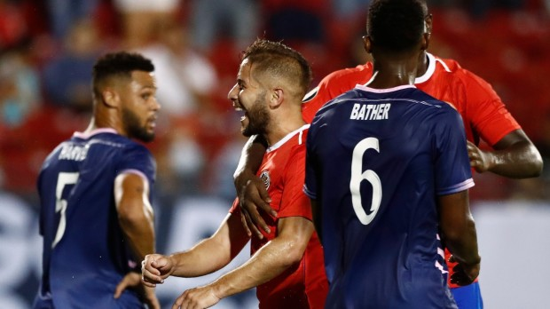 epa07662181 Elias Aguilar (C) of Costa Rica celebrates a goal against Bermuda in the second half of the CONCACAF Gold Cup group stage soccer match between Costa Rica and Bermuda at the Toyota Stadium, in Frisco, Texas, USA, 20 June 2019.  EPA/LARRY W. SMITH