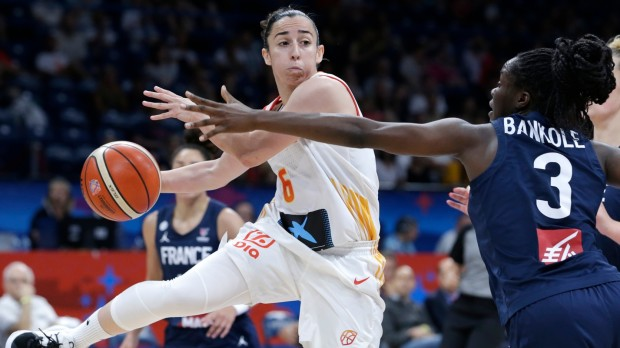 epa07702019 Silvia Dominguez (L) of Spain in action against Ornella Bankole (R) of France during the FIBA Women's Eurobasket 2019 final match between Spain and France in Belgrade, Serbia, 07 July 2019.  EPA/ANDREJ CUKIC