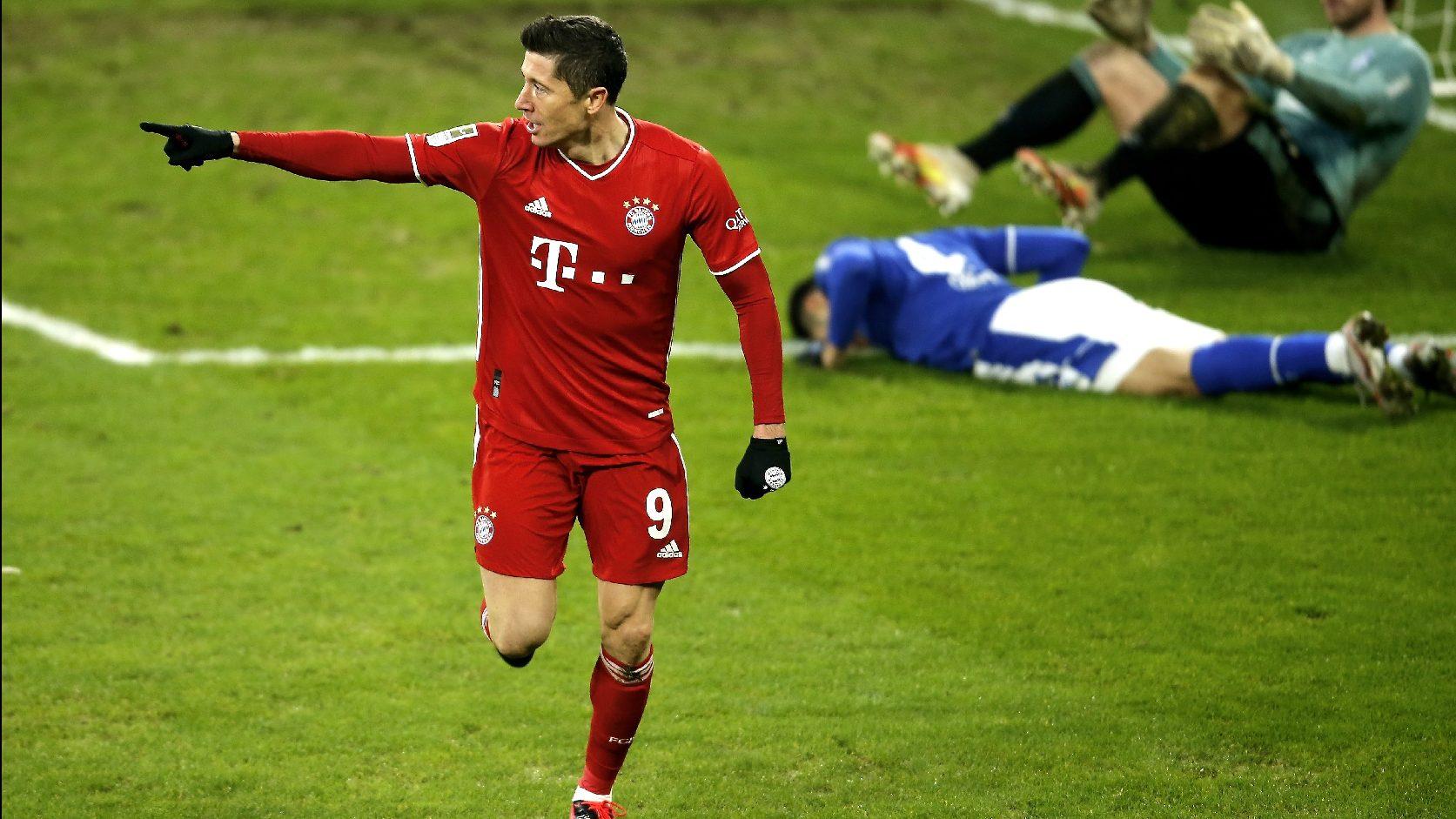 A Bayern nyert, Lewandowski meglőtte 500. gólját | M4 Sport
